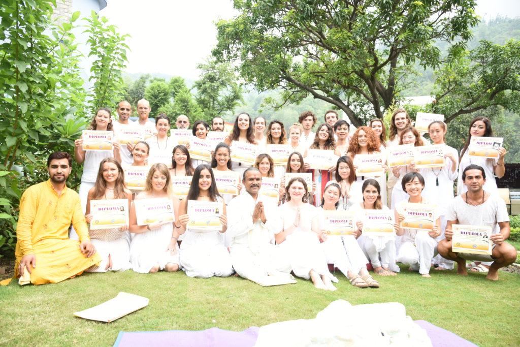 Review Aym 200 Hour Yoga Teacher Training Rishikesh